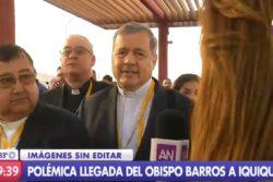 VIDEO |Matonaje eclesiástico: obispo de San Bernardo empujó a periodista para evitar preguntas a Barros