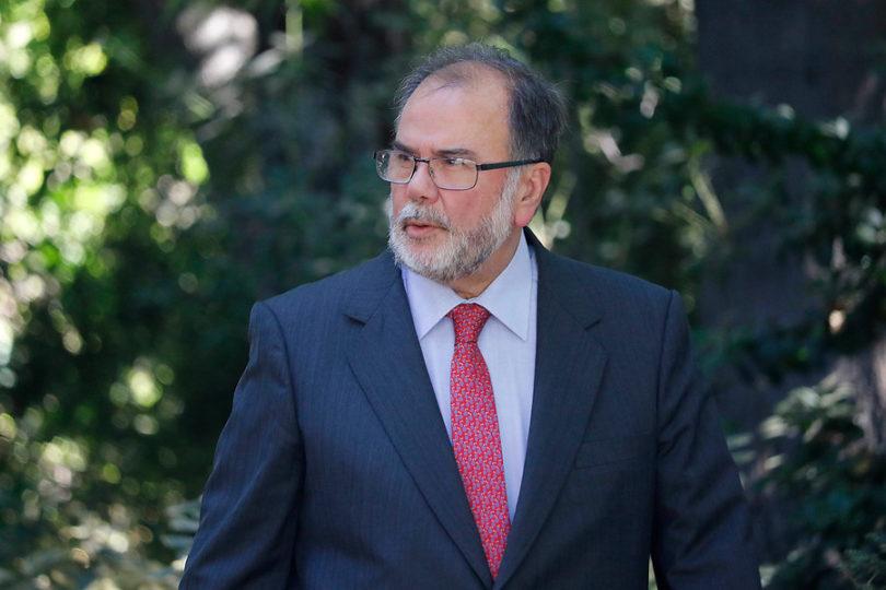 Ministro de Economía se encuentra en la UTI por preinfarto cerebral