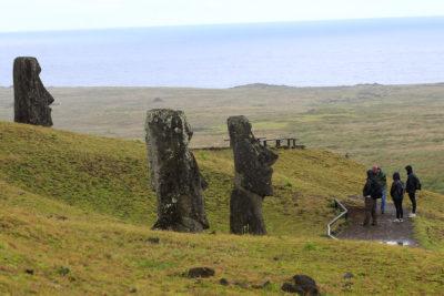 Rapa Nui restringe estadía de chilenos a un máximo de 30 días