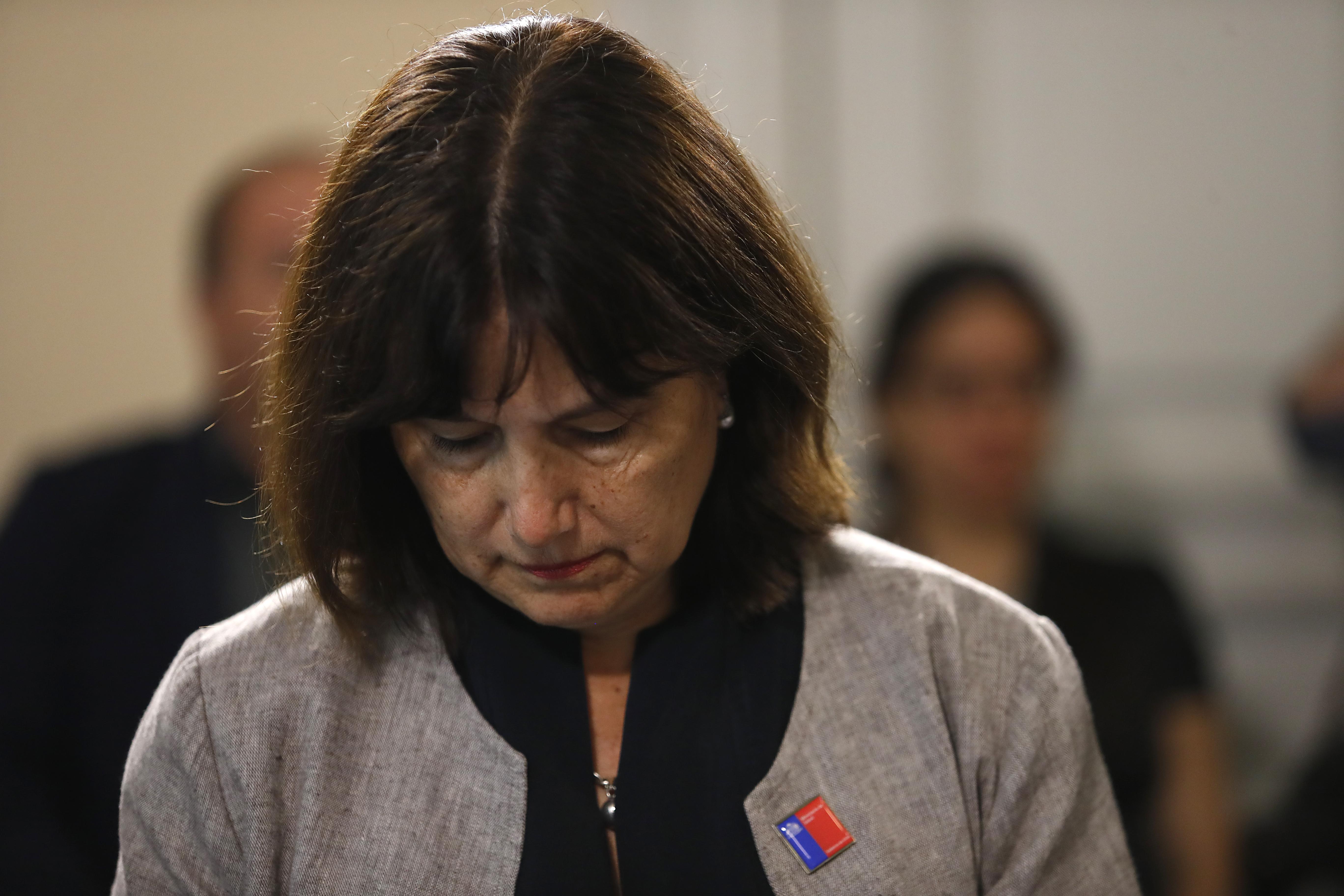 """""""Ministra Carmen Castillo renunciará a beneficio de millonario bono antes del 28 de febrero"""""""