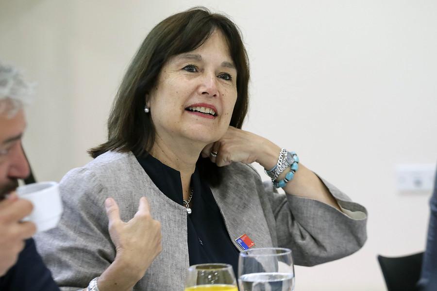 """""""Minsal confirma que Carmen Castillo renunció formalmente a millonario bono de retiro"""""""
