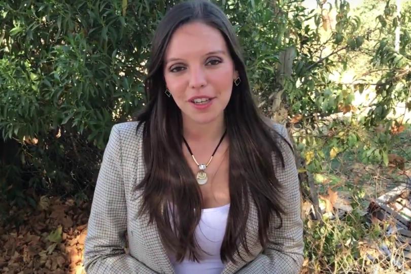 """""""Grande mi general libertador de la Patria"""" y otros desconocidos mensajes pinochetistas de la diputada electa Camila Flores"""