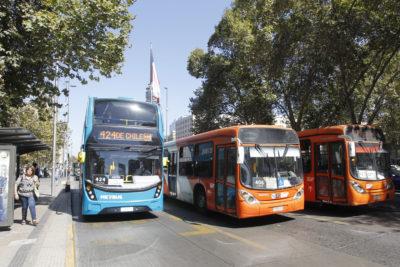 ¿Cómo opera el SOAP en caso de accidentes en el transporte público?