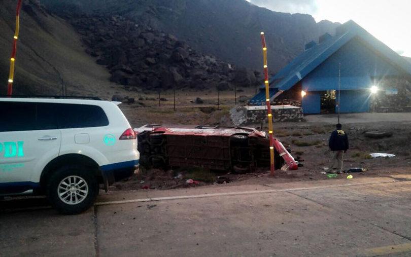 Tragedia en Mendoza: al menos tres fallecidos en accidente de bus chileno