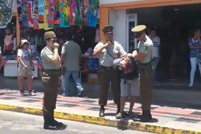 VIDEO   Carabineros logra importante detención de hombre que vendía rosas en la calle por San Valentín