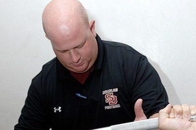"""Muere """"entrenador héroe"""" que actuó de escudo humano en tiroteo de Florida"""