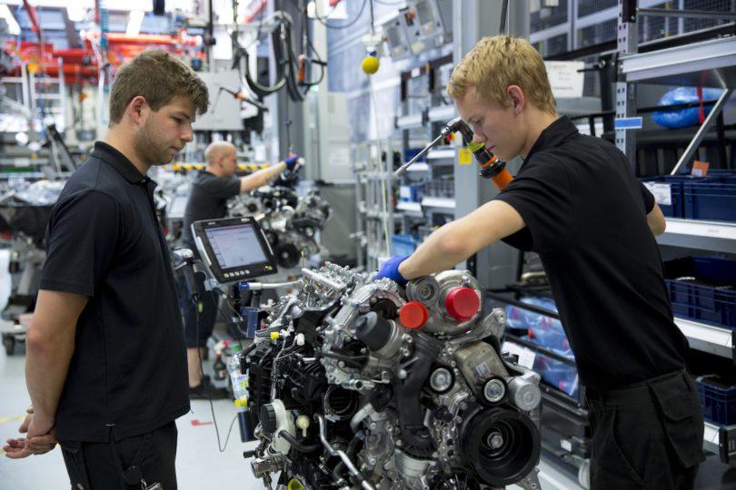 Trabajadores alemanes logran rebajar a 28 horas semanales la jornada laboral tras protesta de un mes