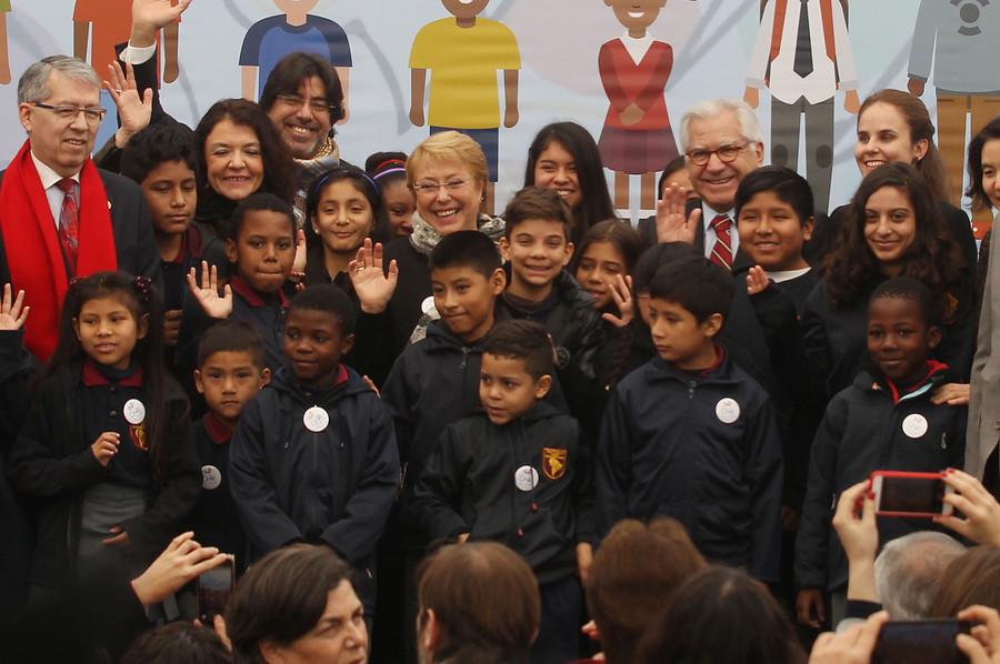 Colegios municipales frenan caída en matrículas gracias a llegada de migrantes