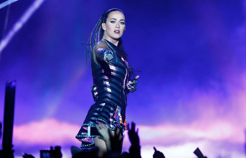 """""""Independentistas de Cataluña están enfurecidos con Katy Perry por esta foto"""""""