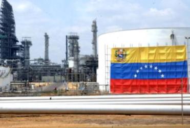 Petrolera venezolana prohíbe a trabajadores interactuar en Twitter y Facebook
