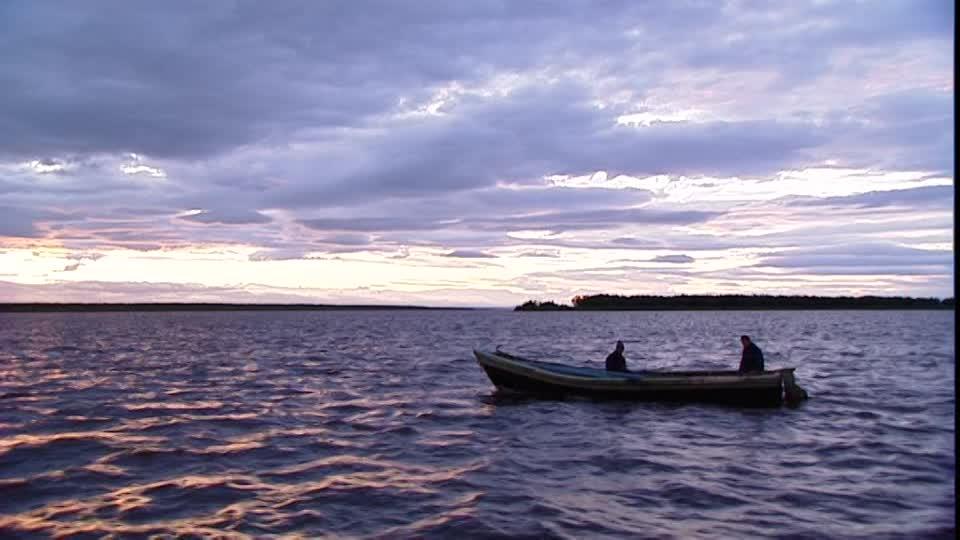 Marea roja provoca el cierre parcial del Estrecho de Magallanes