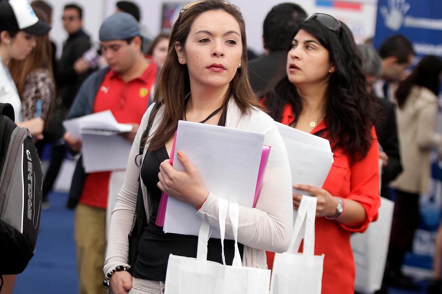Gobierno de EE.UU. ofrece pasantía para jóvenes chilenos con todos los gastos pagados