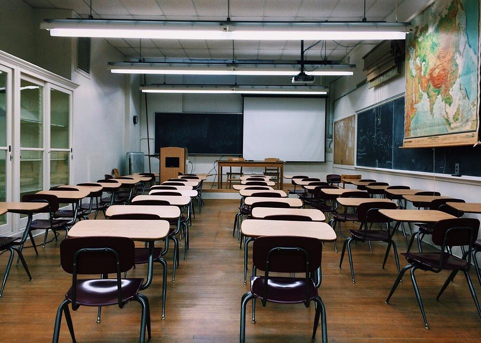 """""""Despatriarcalizar la educación"""": docentes españolas abogan por nuevas pedagogías feministas"""
