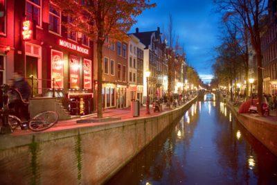 Estas son las nuevas medidas para los turistas que visiten el barrio rojo en Ámsterdam