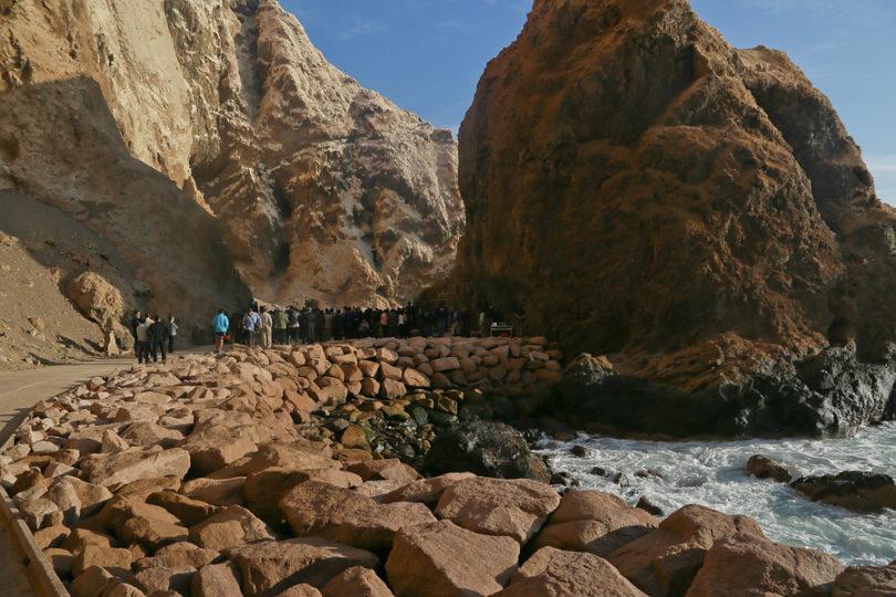 FOTOS |Grafiteros dañan de forma irreparable pintura rupestre en Cuevas de Anzota en Arica
