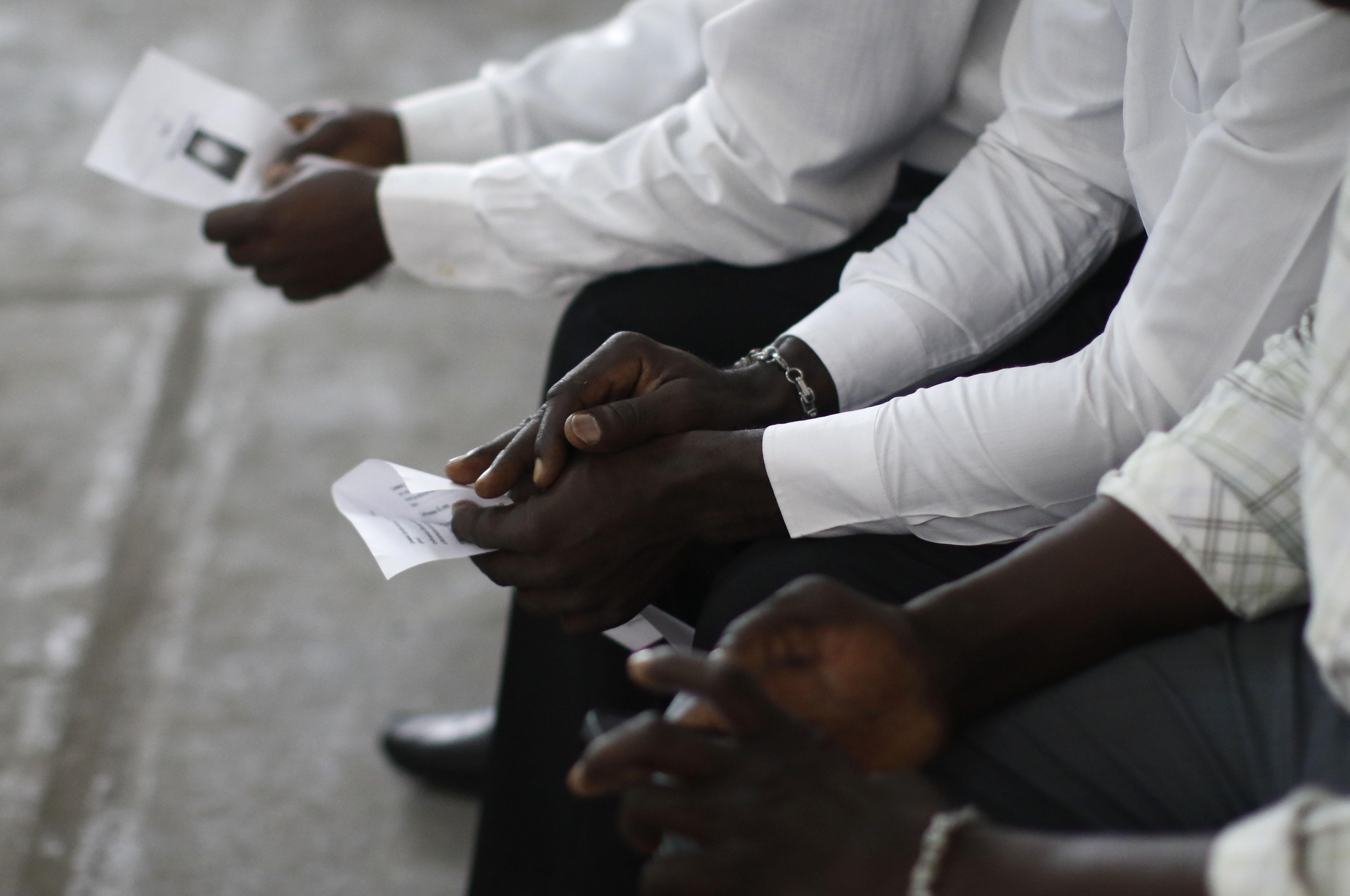 """""""Pagos de $2.000 por día y jornadas de 24 horas: trabajadores haitianos denuncian condiciones laborales que rozan la"""