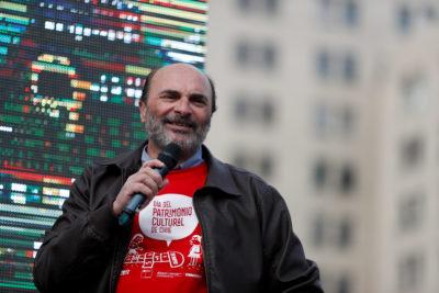 Ministerio de la Cultura pide renuncia a histórico director de la Dibam en medio de críticas por millonarios viajes