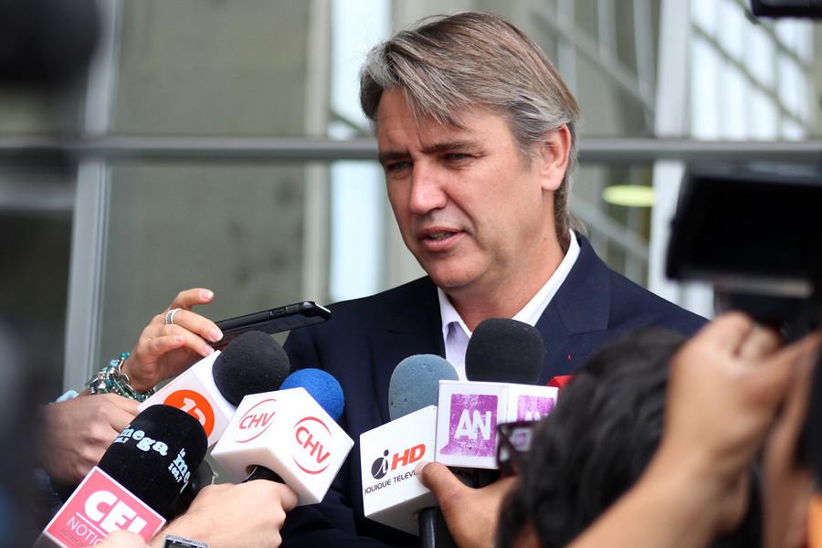 Fulvio Rossi presenta recurso para frenar su formalización por el caso SQM