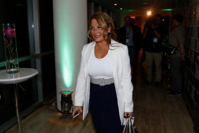 """Cathy Barriga lanza """"Feria Fuerza de Mujer"""" con desfile de moda, servicios estéticos y charlas con Pedro Engel"""