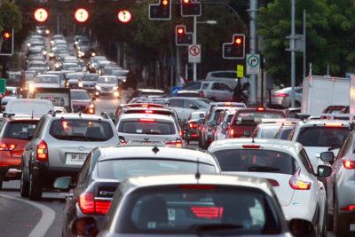Restricción para catalíticos: cuándo comienza y cómo afecta a los automovilistas
