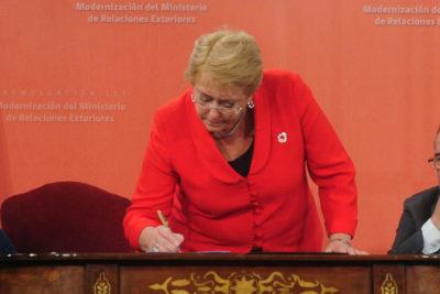 Ciudadano Inteligente: gobierno de Bachelet cumplió un 56% de sus promesas del programa
