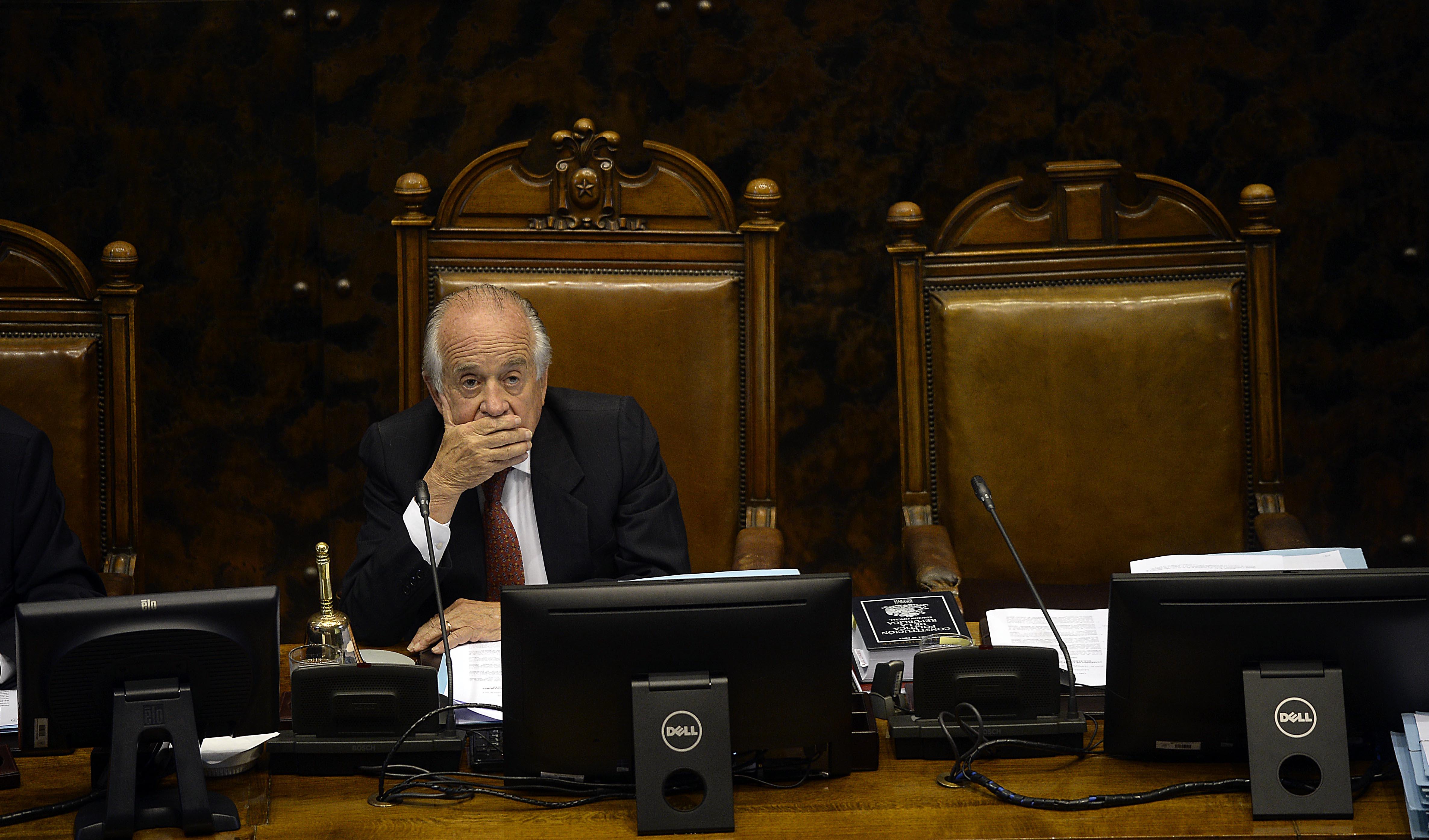 """""""Consejo que preside Andrés Zaldívar frena medidas que endurecen fiscalización a parlamentarios"""""""