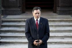 """""""Escuché a Ampuero hablar en La Haya…"""": economista del Frente Amplio hace pedazos performance del canciller"""