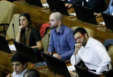 "Giorgio Jackson a vocera Pérez por ataque a Kast: ""Intenta confundir diciendo que nosotros somos cómplices"""