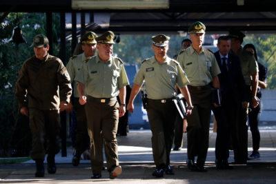 Las dudas sobre la decisión del Gobierno de dejar en manos de Carabineros su propia modernización
