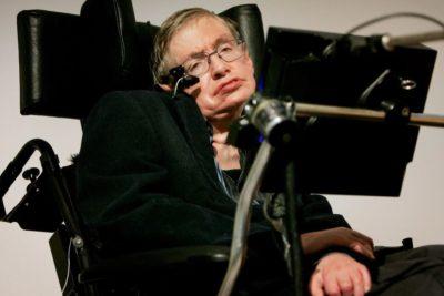 A los 76 años muere el físico Stephen Hawking, creador de la teoría de los agujeros negros