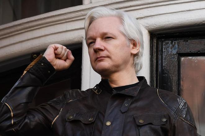 """""""Ecuador incomunica a Julian Assange por mensajes contra expulsión de rusos de Reino Unido"""""""