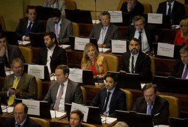 """""""Mismo argumento de hombres maltratadores"""": Chile Vamos acusa al Frente Amplio por no condenar agresión a Kast"""