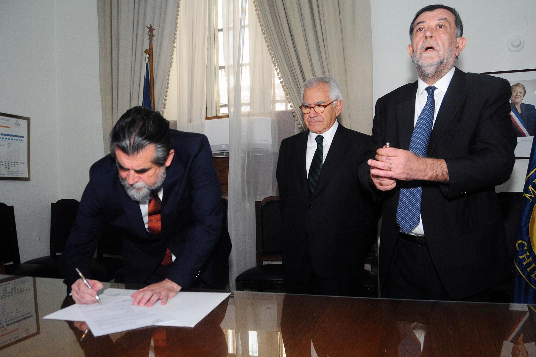 """""""Aleuy a Ubilla tras dejar Subsecretaría del Interior:"""