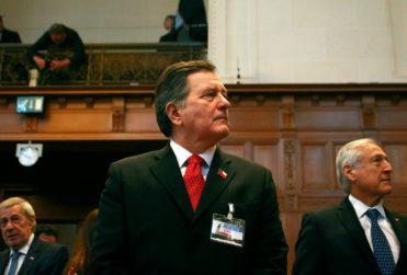 """Ampuero y argumentos de Bolivia: """"Hay que tener mucho cuidado cuando se le pide a una corte que no legisle según la ley"""""""