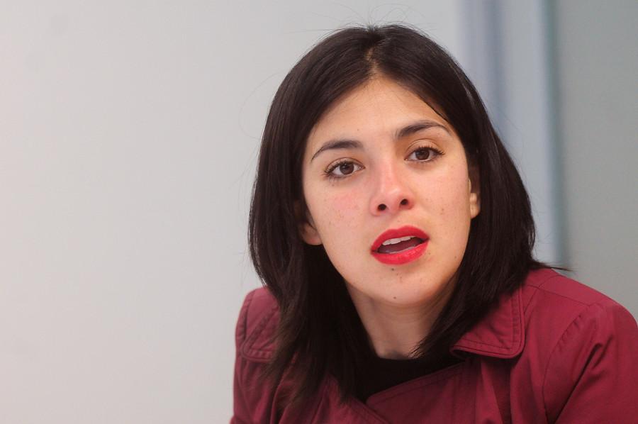 La certera respuesta de Karol Cariola a Bernardo de la Maza por tweet sobre rol de la mujer en la izquierda internacional