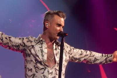 """Robbie Williams confiesa que tiene """"una enfermedad que quiere matarme"""""""