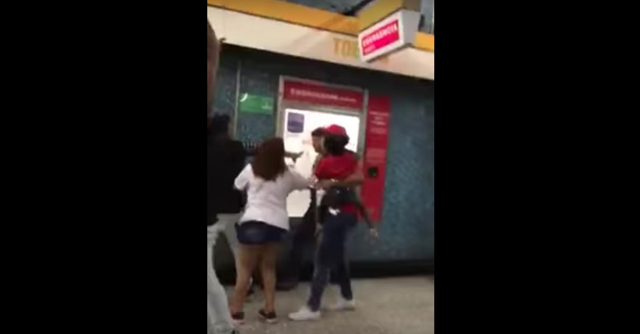 VIDEO | Violenta pelea en Línea 2 habría sido por dichos racistas