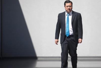 Gobierno designa notario a ex fiscal de caso Caval que no tuvo antecedentes para imputar a Dávalos