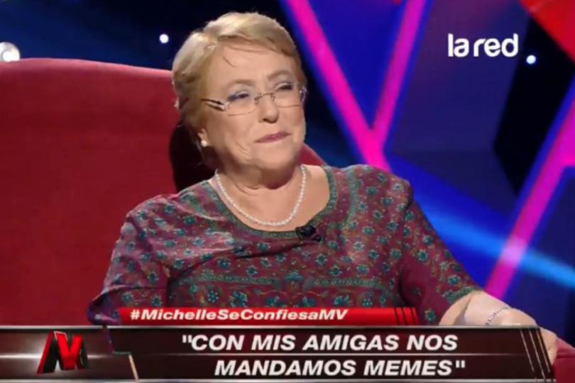 """Bachelet en WhatsApp: manda """"memes y videos divertidos""""con su grupo de amigas"""