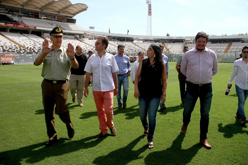 Inspeccionan Monumental previo al clásico entre Colo Colo y la UC