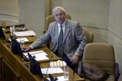 El día en que el diputado Urrutia justificó sus ataques a los homosexuales en el Ejército con la teleserie Pituca Sin Lucas