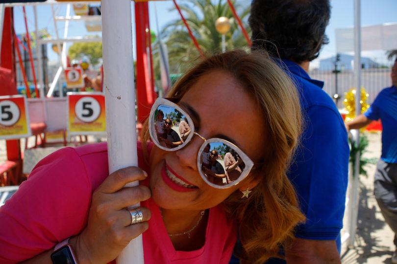Cathy Barriga es denunciada a Contraloría por privilegios a marca de lentes que promociona