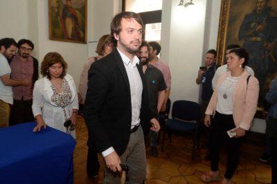 Jorge Sharp sigue el ejemplo de Boric y será parte de Comisión de Seguridad de Piñera