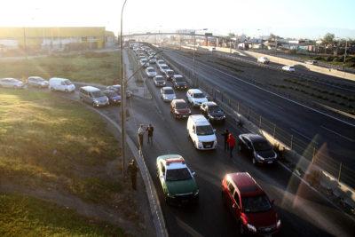 FOTOS + VIDEO |Nueva protesta contra el TAG provoca gran congestión en autopistas