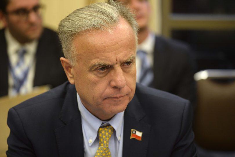 Ministro de Salud aclara cifra de mortalidad de VIH: Chile está muy por debajo del promedio