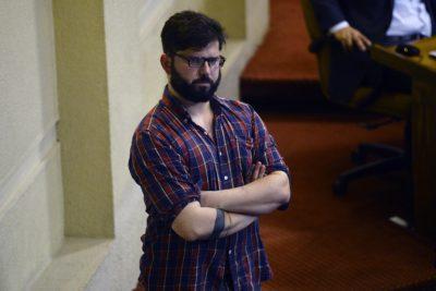 """Boric critica decisión de la Fiscalía por informes del Senado: """"La opacidad alimenta las sospechas"""""""