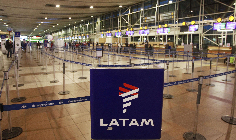 """""""Huelga LAN Express: aerolínea extiende hasta el 2 de mayo cancelación y reprogramación de vuelos"""""""