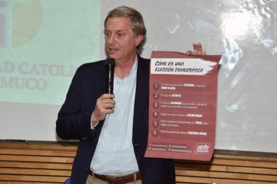 """José Antonio Kast acusa """"presiones de izquierda"""" por suspensión de charla en U. Austral"""