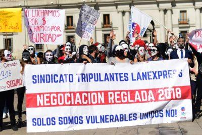 Sindicato de LAN Express rechaza acuerdo y se mantiene la huelga de tripulantes de cabina