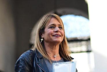 """Van Rysselberghe se rebela y no retirará candidato UDI a directorio de TVN: """"No es necesario que sean tres mujeres"""""""